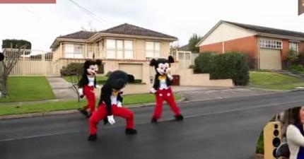 這個男生變成米老鼠跳麥克傑克遜的舞,為了給女友最完美的求婚。他辦到了!