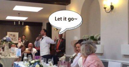 伴郎選擇不致詞,反而唱出爆笑版的《冰雪奇緣》Let It Go 作為最窩心的婚禮祝福。