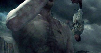 《進擊的巨人》真人版預告釋出,超大型巨人的濃煙模樣讓我淚流滿面啊!
