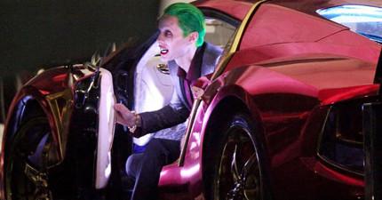 蝙蝠俠死對頭「小丑」露出片場珍貴畫面,與雙面女友的瘋狂對手戲讓人超期待!