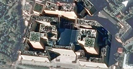 這就是俄羅斯普丁的「戰爭控制中心」,看到裡面後你就會發現看起來很眼熟...