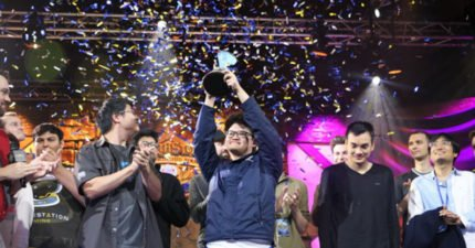 台灣之光!電競選手拿下台灣首座《爐石戰記》世界總冠軍,拿下3連勝逆轉完敗美國選手!