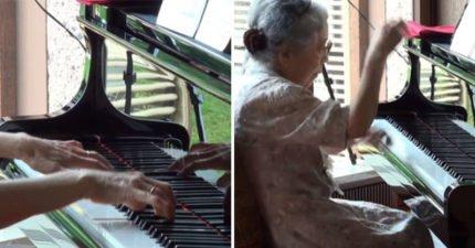 駝背85歲老奶奶看起來超虛 但她一坐到鋼琴前...人類傻眼:請受我一拜