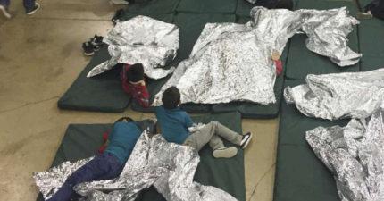 「他的小手抓著媽媽的照片」美處置非法移民超狠 4歲童嚇到戒不了尿布
