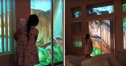 影/暖爸「建造真實版侏儸紀公園」 花3個月讓暴龍就在窗外跑