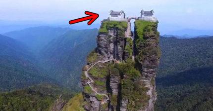 爬8000階樓梯的「最危險寺廟」 空拍「從上面看」太驚豔:武俠小說是真的!