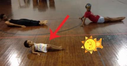 2歲小妹妹跳席亞–-水晶吊燈超可愛
