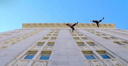 Bandaloop在大樓側邊跳舞