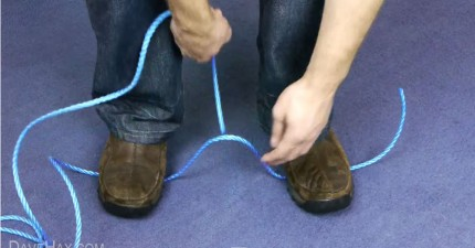 緊急狀況時,如何不用任何工具就把繩子剪斷?