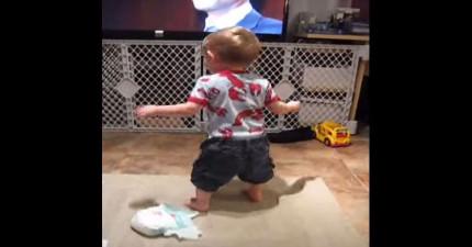 小男孩聽到歌曲時就會失去控制