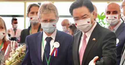 捷克議長「不顧反對」抵台演說 中國氣炸:與14億人民為敵!